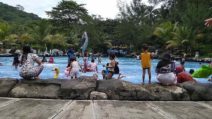 Tempat Wisata di purwokerto Dream Land Water Park