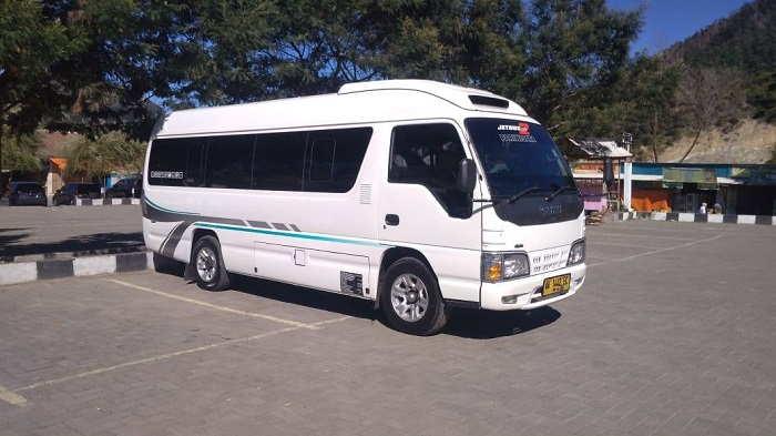 Mobil Isuzu Elf Kapasitas Tempat duduk14-17 seats