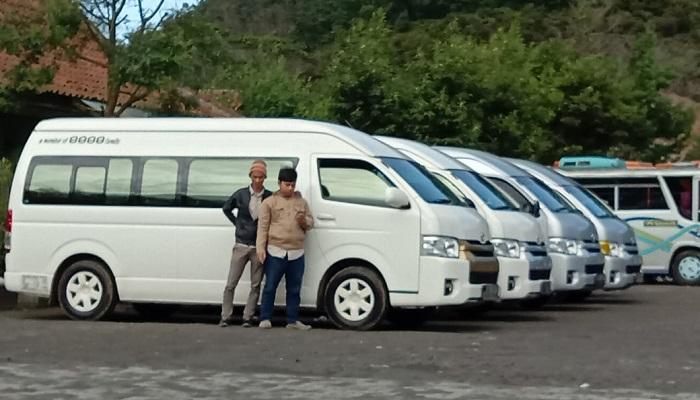 Mobil Hiace Kapasitas tempat duduk 15 seats